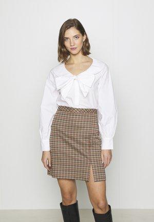 SAGA - Blusa - white
