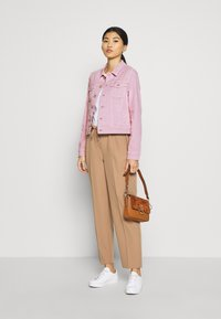 Marc O'Polo - JACKET BUTTON CLOSURE GARMENT DYED - Denim jacket - bleached berry - 1