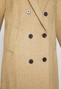 Scotch & Soda - TAILORED DOUBLE BREASTED COAT - Zimní kabát - sand melange - 5