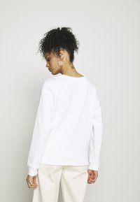 Tommy Hilfiger - REGULAR CIRCLE  - Sweatshirt - white - 2