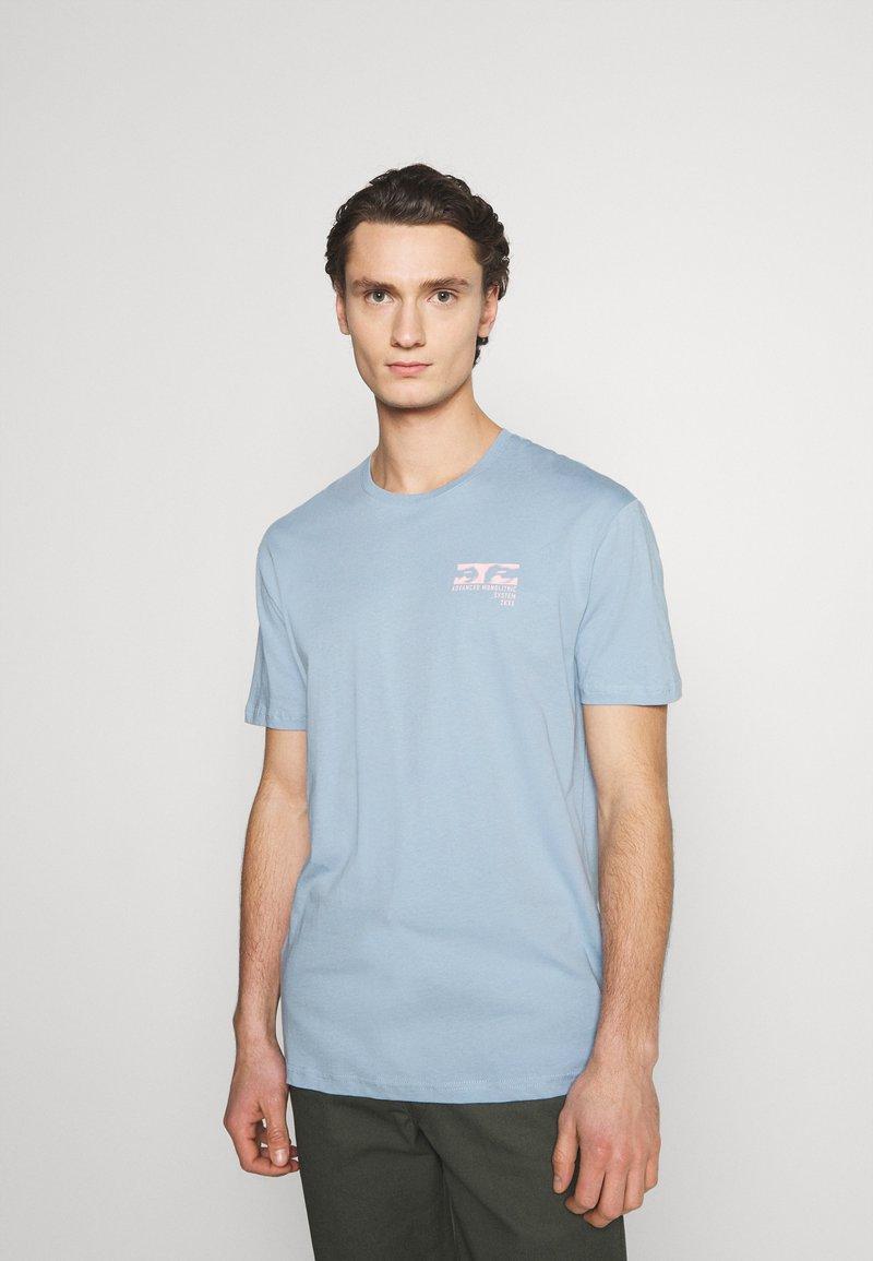 YOURTURN - UNISEX - Print T-shirt - blue