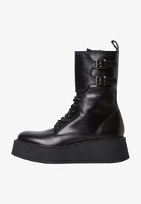 Kotníkové boty na klínu - black