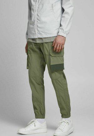 GORDON ROSS - Cargo trousers - deep lichen green
