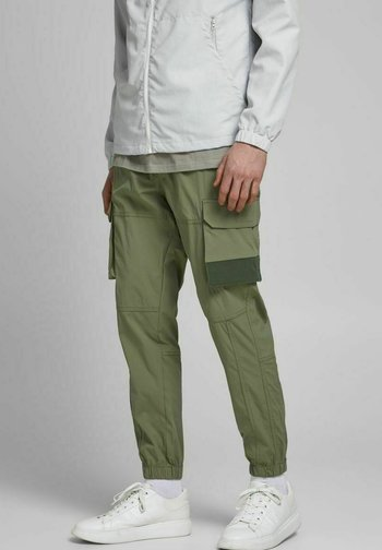 GORDON ROSS - Cargo trousers - deep lichen green