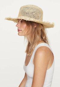 OYSHO - Hat - beige - 2