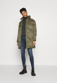 Tommy Jeans - DIAMOND QUILTED COAT - Winter coat - olive tree - 1