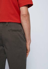 BOSS - Shorts - anthracite - 3