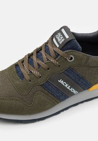 Jack & Jones - JFWSTELLAR - Sneakers - olive night - 5