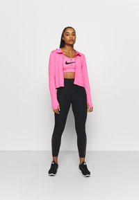 Nike Performance - ELEMENT - Training jacket - hyper pink/pink glow - 1