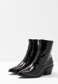 Glamorous Wide Fit - Classic ankle boots - black - 4