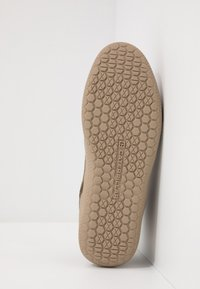 Caterpillar - HEX MID - Sneakersy wysokie - muddy - 4