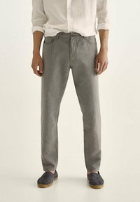 Massimo Dutti - IM VINTAGELOOK  - Trousers - grey - 0