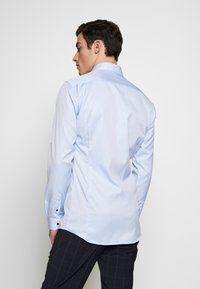 Eterna - SUPER SLIM FIT HAI-KRAGEN - Formální košile - blue - 2