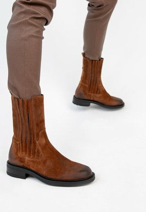 Classic ankle boots - cognac