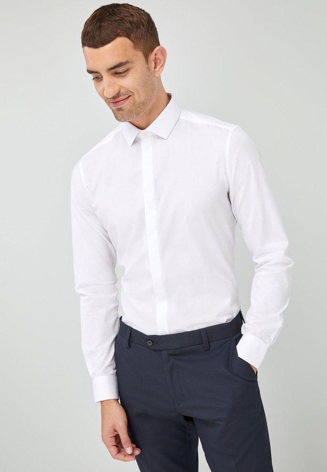SLIM FIT - Koszula biznesowa - white