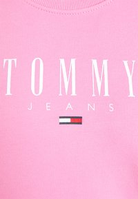 Tommy Jeans - REGULAR ESSENTIAL LOGO - Mikina - pink daisy - 6