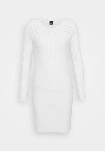 CAMPIONATO ABITO STRETCH PUNTO RETE - Pletené šaty - off-white