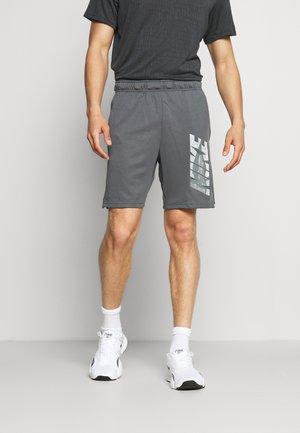 DRY SHORT - Korte sportsbukser - iron grey