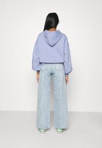 Monki - Jeans Straight Leg - blue dusty light - 2