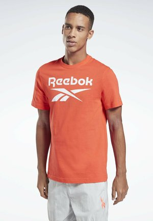 GRAPHIC SERIES REEBOK STACKED T-SHIRT - Print T-shirt - red