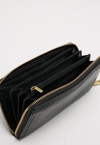 Fossil - LOGAN - Wallet - black - 5
