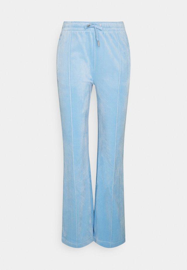 TINA TRACK  - Pantaloni sportivi - powder blue