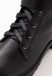 Refresh - Platform boots - black - 2