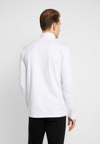 Lindbergh - TURTLE NECK TEE - Long sleeved top - white - 2
