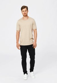 Selected Homme - SHDTHEPERFECT - T-paita - sand - 1