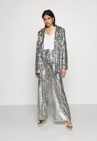 NA-KD - OVERSIZED SEQUIN - Short coat - silver - 1