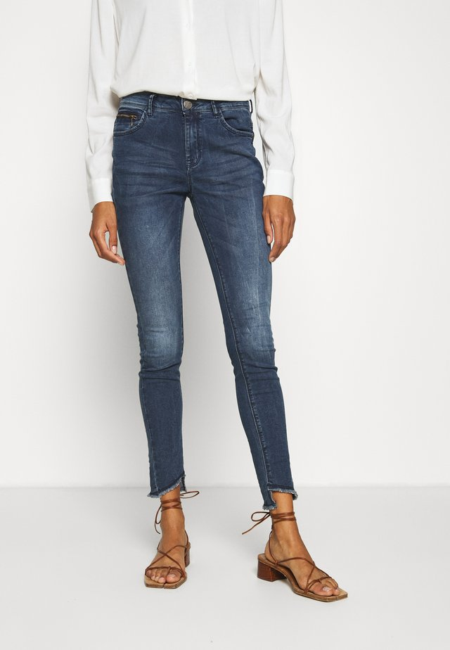 Jeansy Slim Fit - middle blue denim
