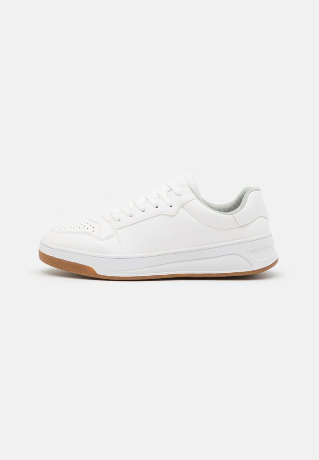 ISAAC - Sneakers basse - white
