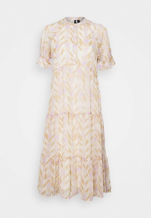 VMKATHRINE DRESS - Sukienka letnia - birch
