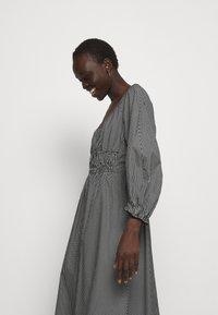 Proenza Schouler White Label - YARN DYE PLAID DRESS - Day dress - black/white - 3