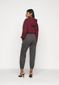Missguided Petite - 90S JOGGERS - Tracksuit bottoms - dark grey - 2