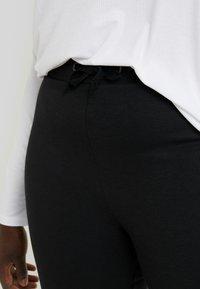 Even&Odd Curvy - Teplákové kalhoty - black - 4