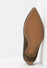 Pedro Miralles - Classic heels - amalfi kaki - 6