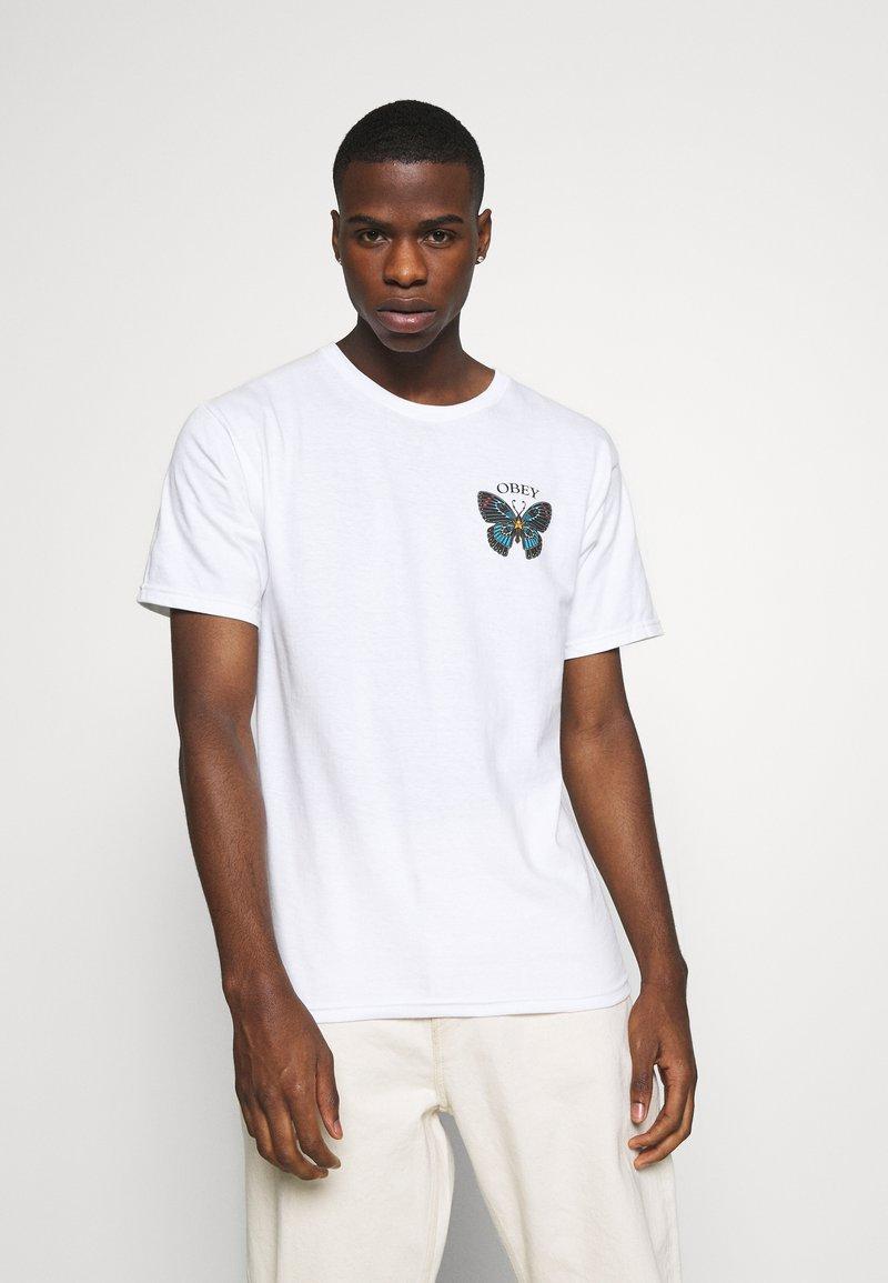 Obey Clothing - BUTTERFLY - Triko spotiskem - white