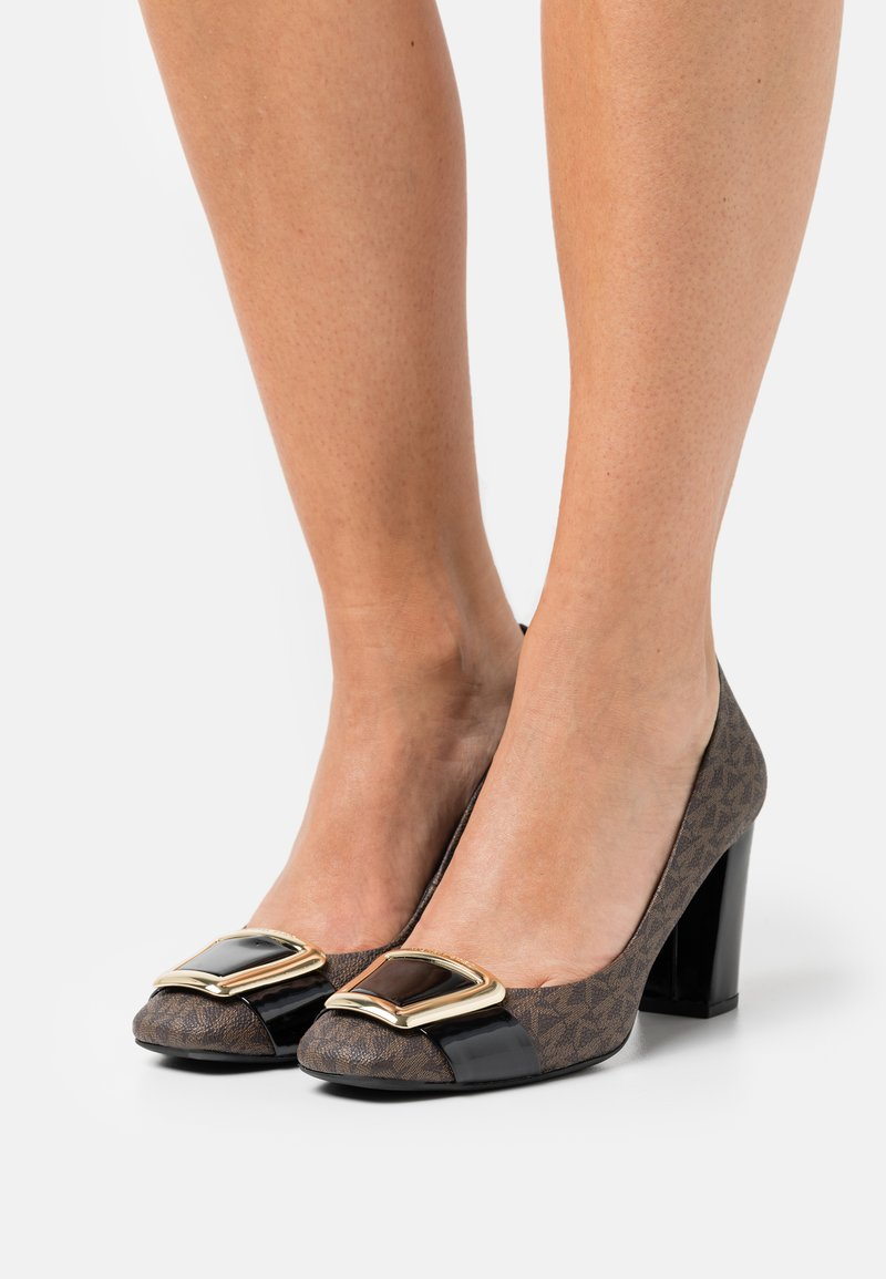 MICHAEL Michael Kors - PATSY FLEX - Classic heels - brown/black