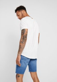 Lee - SHAPED TEE - Basic T-shirt - cloud dancer - 2