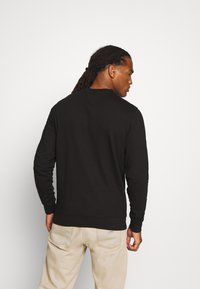 Tommy Jeans - TJM WASHED CORP LOGO CREW - Sweater - black - 2