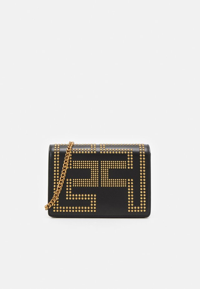 CHAIN LOGO CROSSBODY - Across body bag - nero