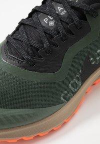 Nike Performance - ZOOM PEGASUS 36 TRAIL GTX - Vaelluskengät - galactic jade/black/juniper fog/khaki - 5