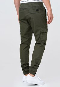 INDICODE JEANS - Cargo trousers - army - 2