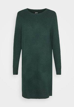 ONLELENA DRESS - Strikkjoler - green gables/black melange