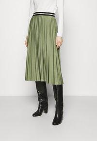 Esprit - PLEATED SKIRT - Pleated skirt - khaki - 0