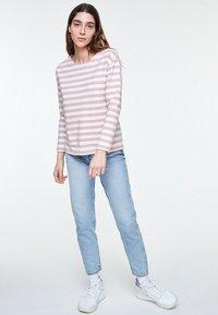 ARMEDANGELS - NOAA BOLD STRIPES - Sweatshirt - blush - 1