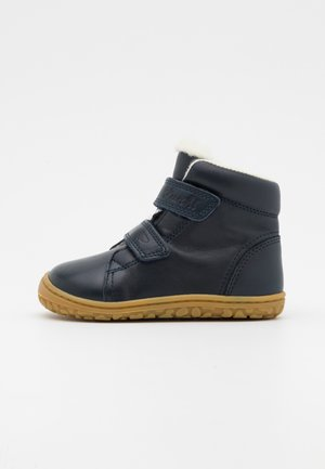 NIK BAREFOOT UNISEX - Classic ankle boots - navy