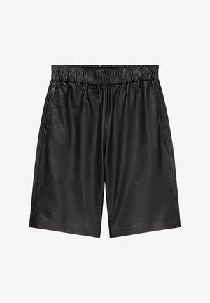 AUS SOFTEM LAMM-NAPPA - Shorts - black