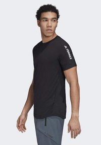 adidas Performance - ZUPAHIKE AEROREADY SHIRT - T-shirts med print - black - 4